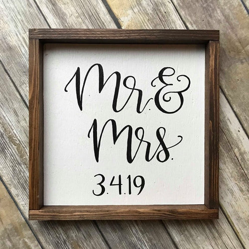 Mr & Mrs- wedding sign