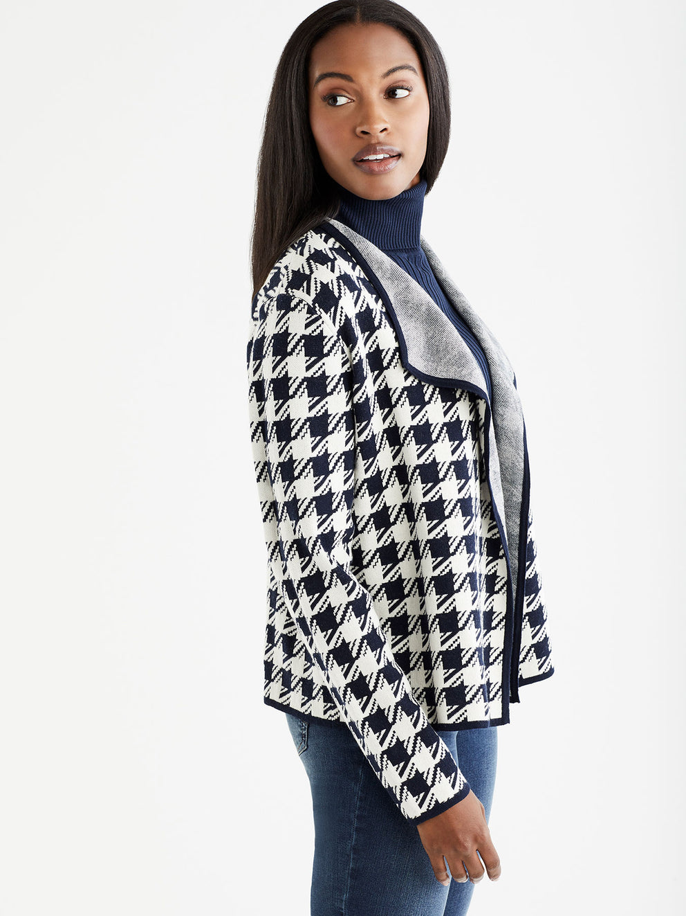 The Jones New York Houndstooth Cardigan in color Navy Ivory Houndstooth - Image Position 2