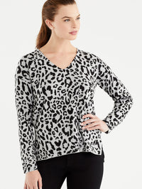 Grey Leopard Print V-Neck Tunic, Plus Size Color Grey Leopard Print