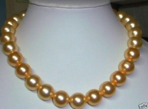 Beautiful 10mm gold south sea shell pearl necklace 18