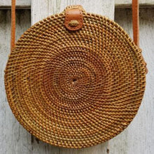 "Load image into Gallery viewer, Nus ata ""Polos"" Round Rattan Bag"