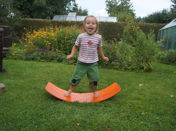das.Brett Bouncy Wooden Balance Board