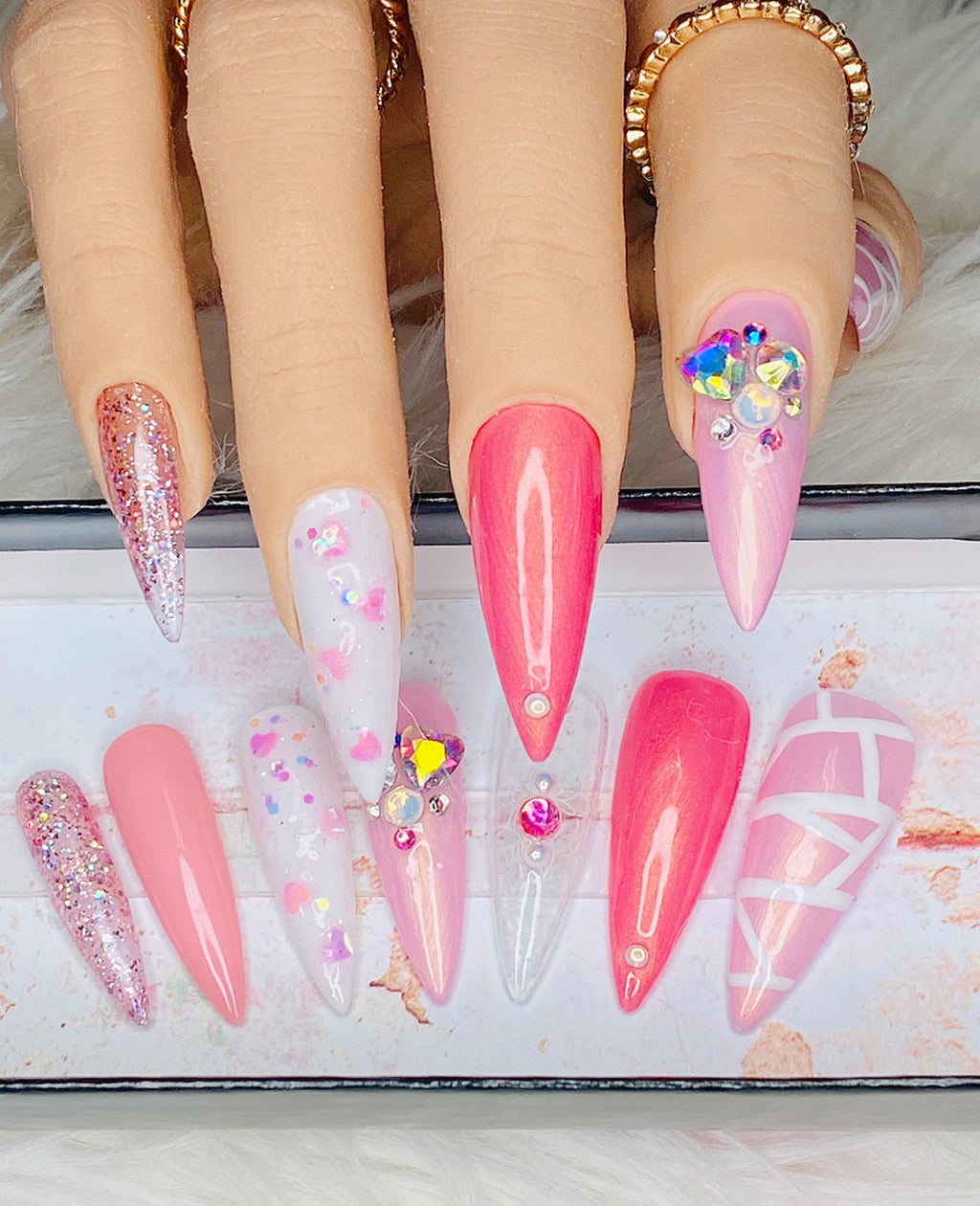 "SHINE & GO- ""Sassy Doll"" - #C213-CUSTOM DESIGN SET -Press On Nails"