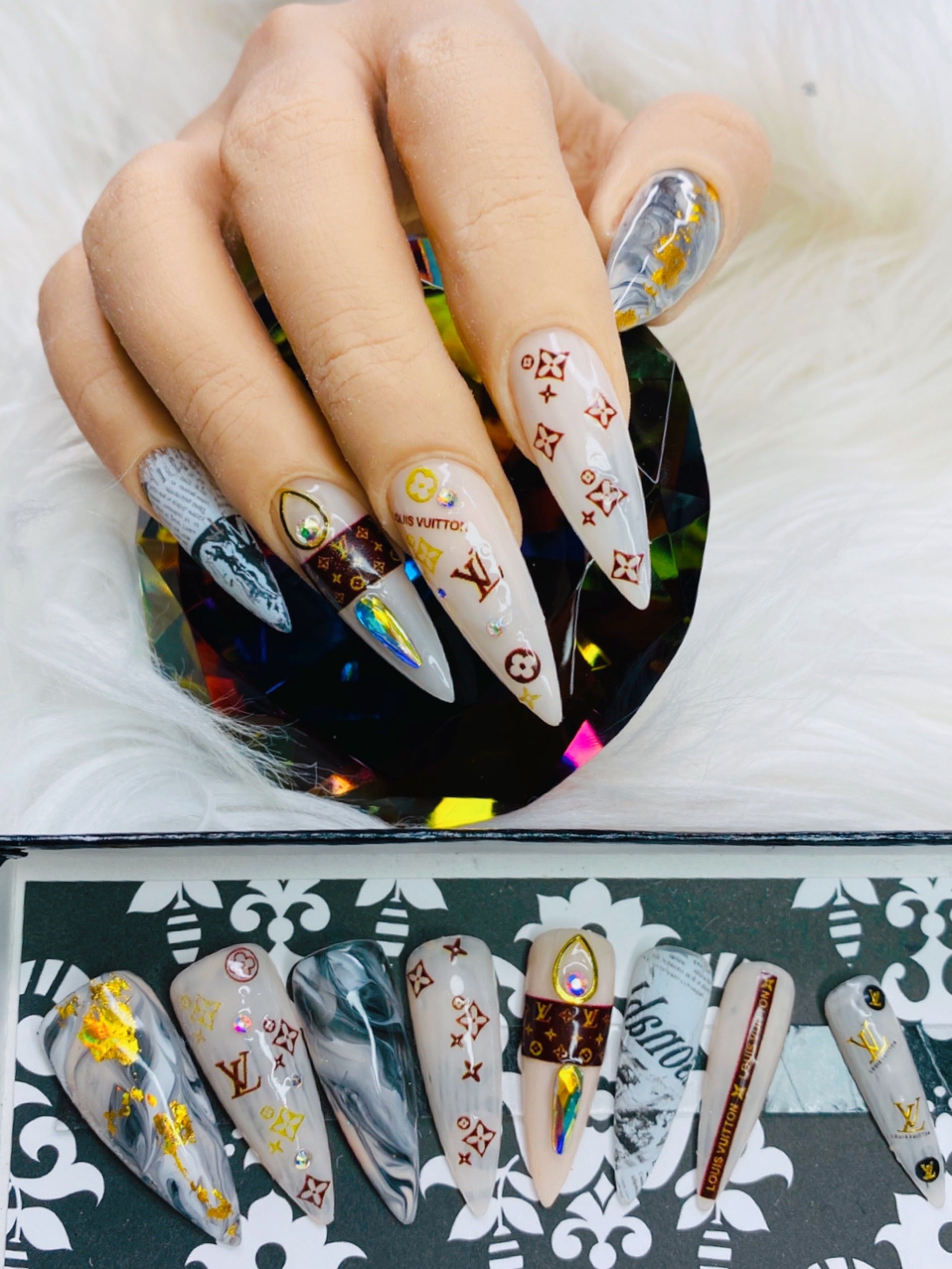 "SHINE & GO- ""Glamour Queen"" - #332 CUSTOM DESIGN SET -Press On Nails"