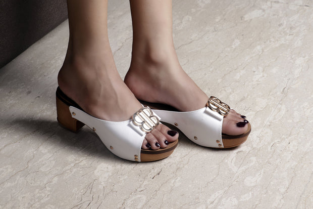 Jootavoota Women White Wedges (790)