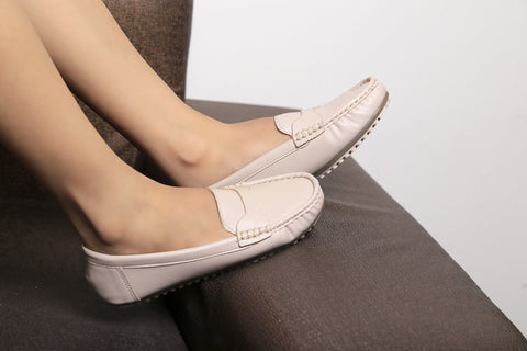 Jootavoota Women Beige Loafers (619)
