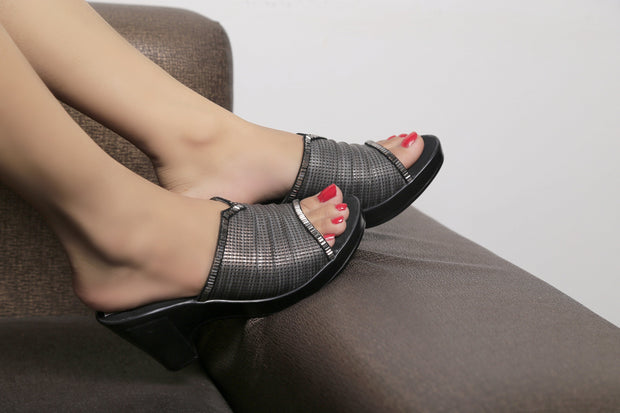 Jootavoota Women Black Wedges ( 4043RF )