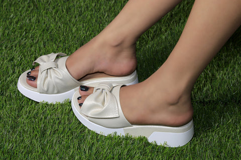 Jootavoota Women White Slippers (MN-007)