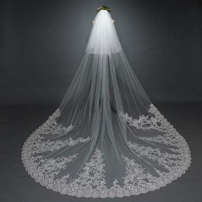 Two-tiered Veil with Lace Detail