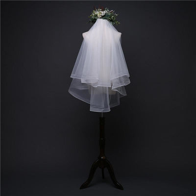 Simple Shoulder Length Veil