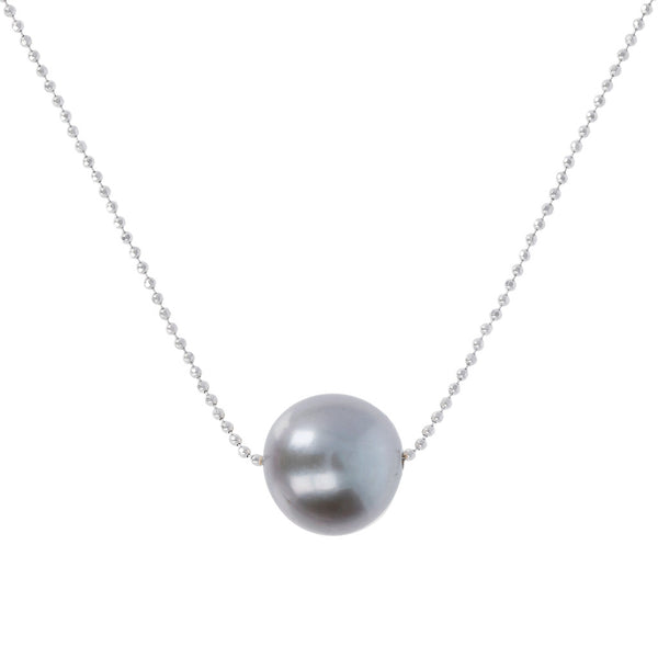 Long necklace with a fresh-water pearl