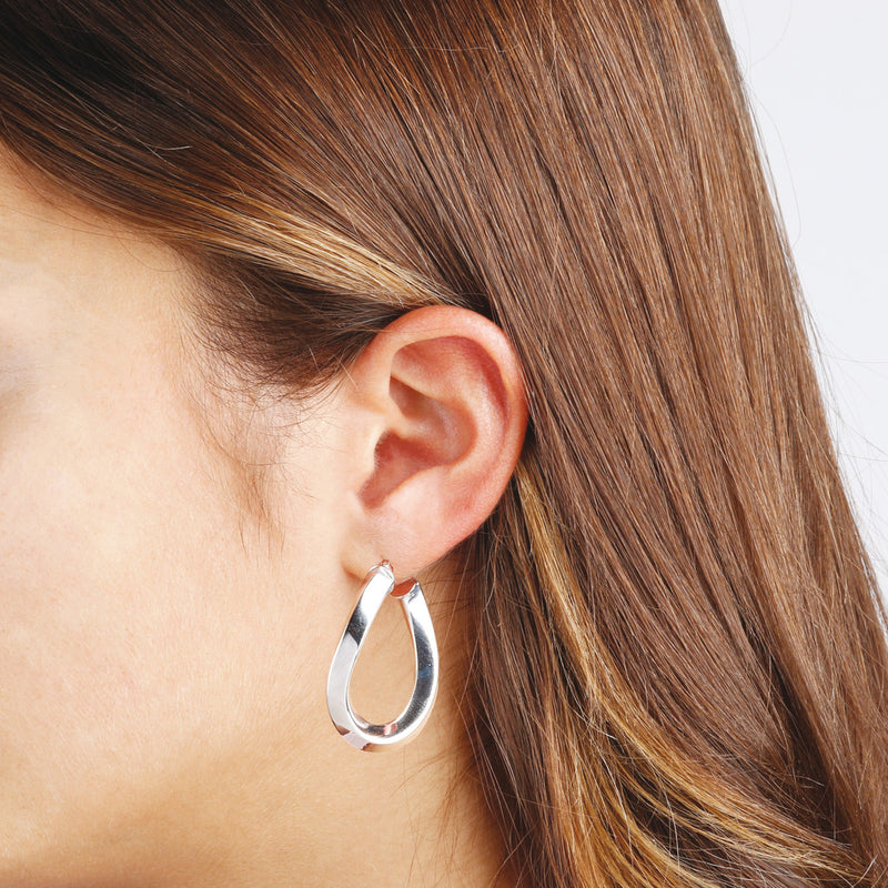 worn SUCH A PERFECT DAY MYESSENTIALS BIANCA MILANO SHINY OVAL WAVY HOOP EARRING - WSBC00068