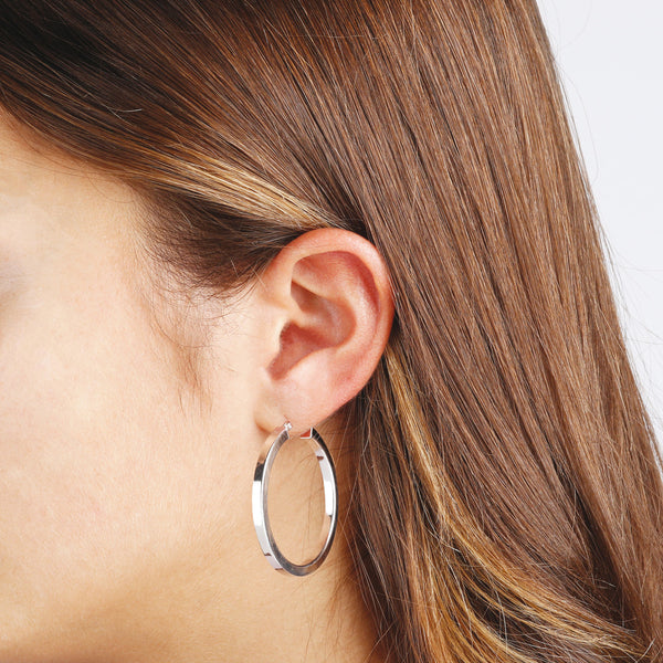 "worn SUCH A PERFECT DAY MYESSENTIALS BIANCA MILANO SHINY TUBE HOOP EARRING - 1,5"" - WSBC00087"