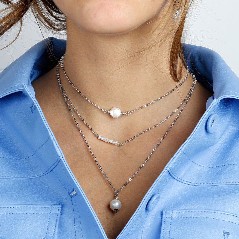 worn Set of three necklaces with fresh-water pearls