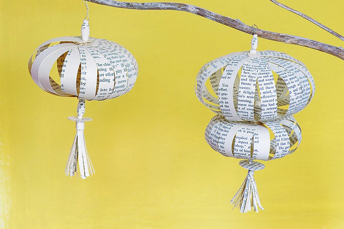 Sustainable Christmas Idea: Make hanging tassel decorations using recycled paper