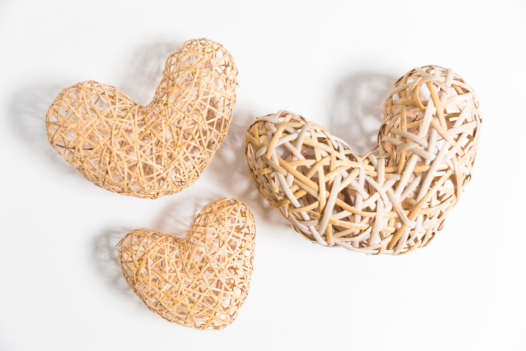 3 woven hearts made of cane