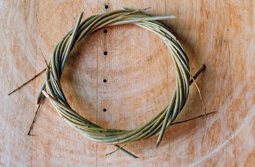 Finished willow wreath, pre-cut