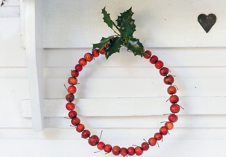 Make a crab apple wreath