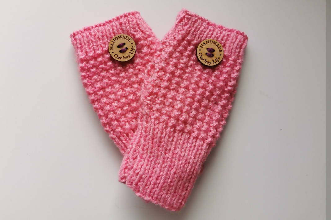 Postwoman's Gloves: Pinks
