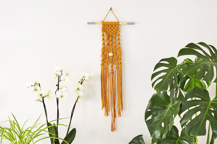 Make an 'eye spy' macramé wall hanging: Refill Materials only