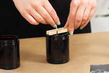Load image into Gallery viewer, Make an essential oil soy wax candle: Course + Kit