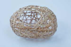 The finished woven basket, using lapping cane.