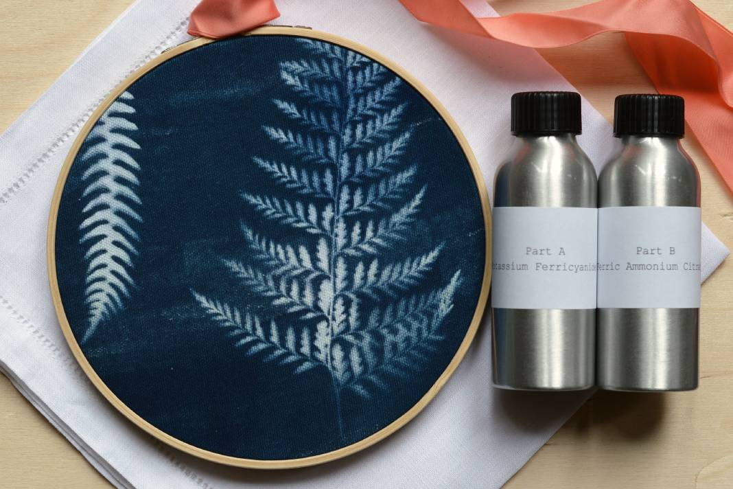 Learn how to make a cyanotype embroidery hoop: Course + Kit