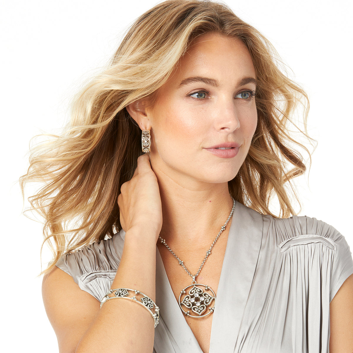 Alcazar Eternity Short Necklace