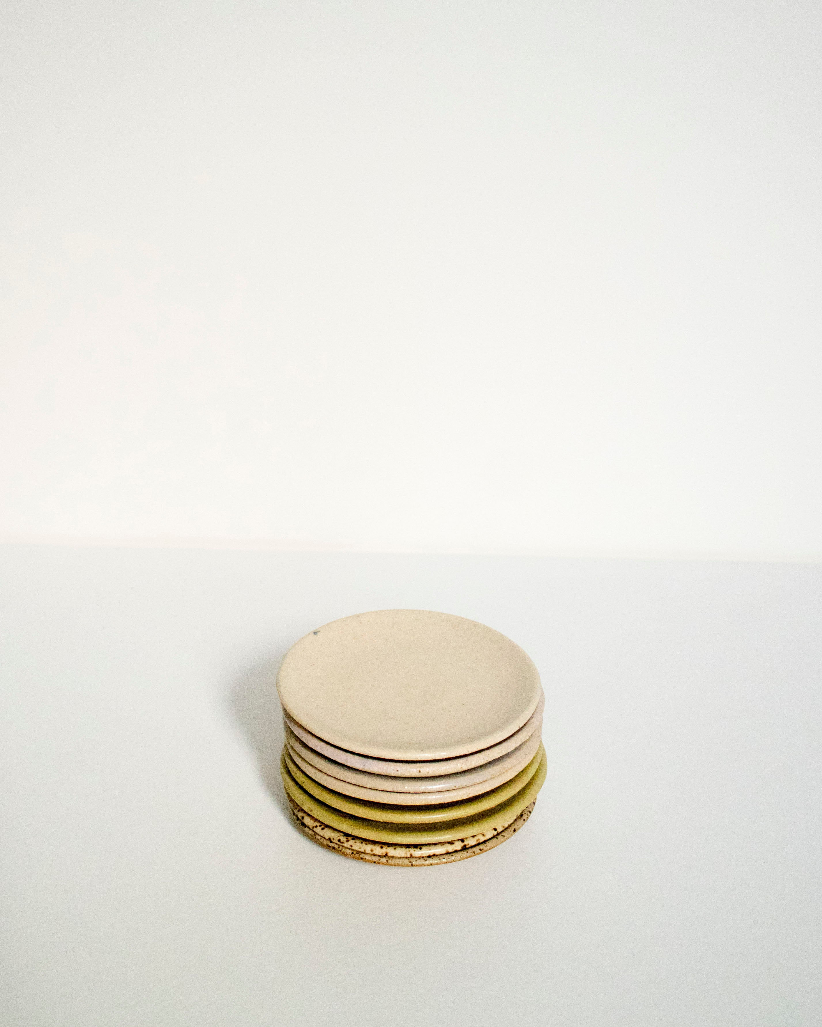 Tiny dish - white