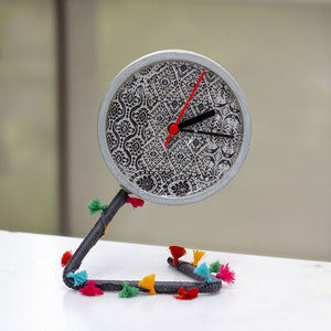 IKAT TWISTICK CLOCK