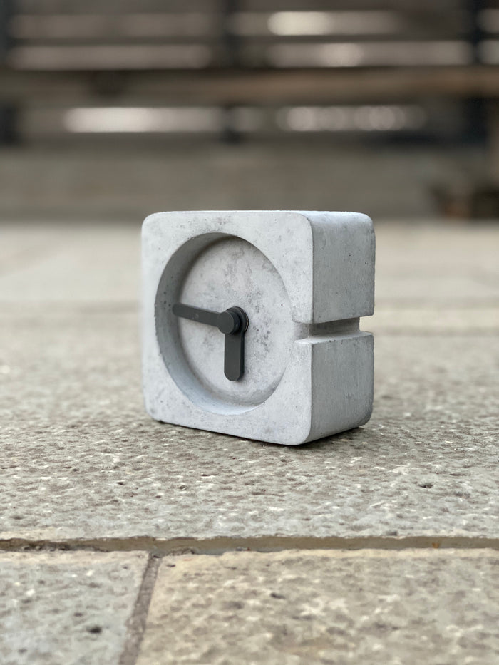 Concrete Table Clock Kairos