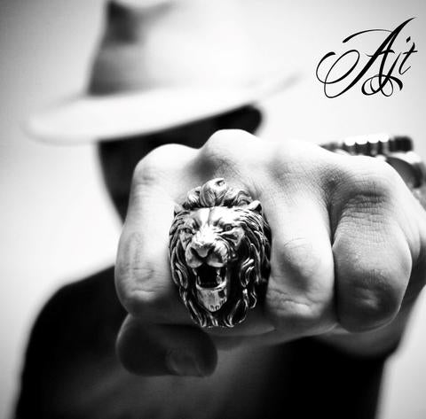 WHAT A LION RING TELLS ABOUT ITS OWNER