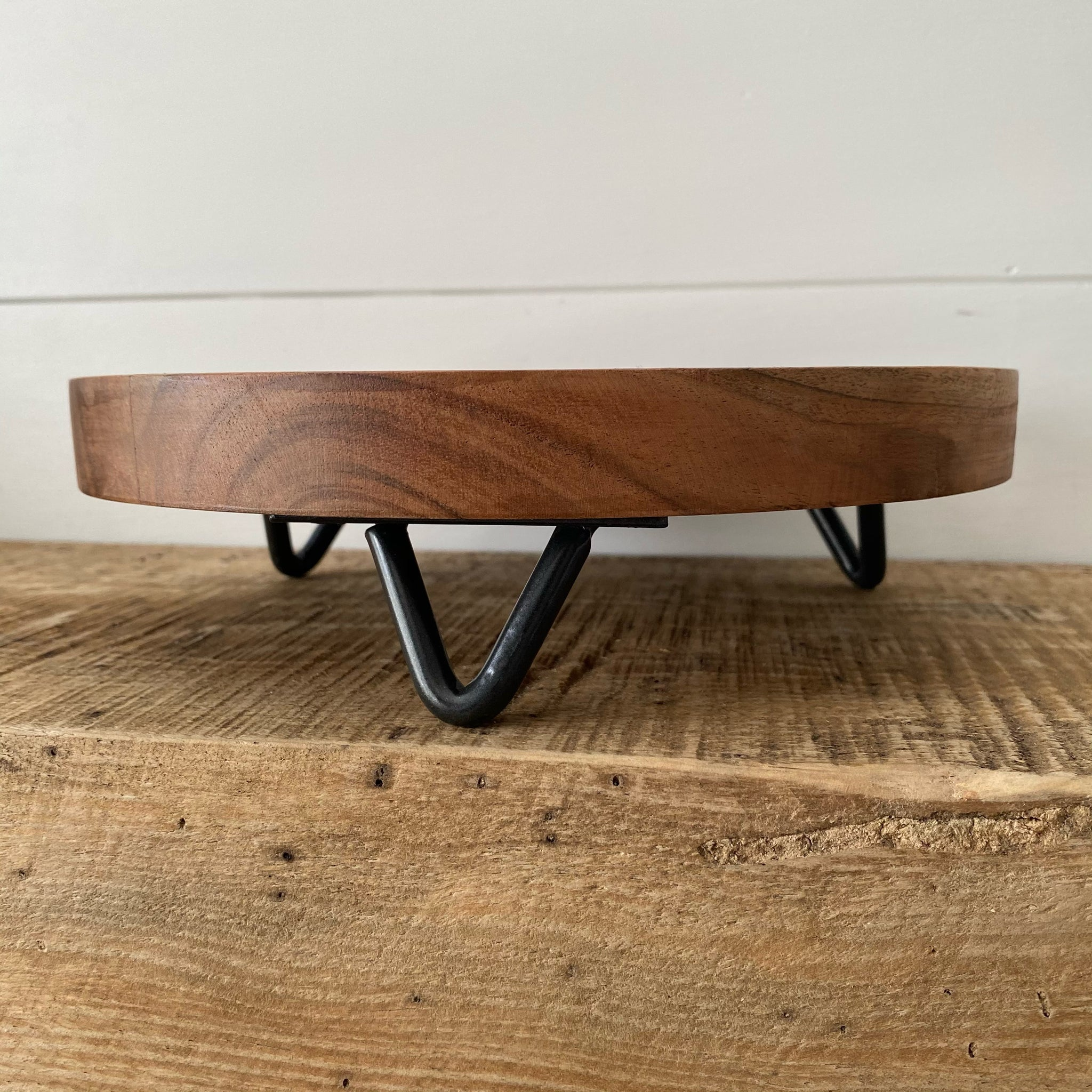 Tripod Cake Stand - Engraved - Black Friday