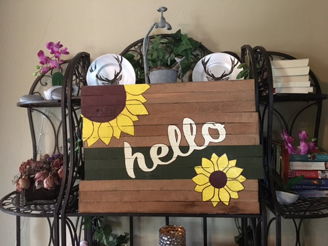 Sunflower-a pallet wood sign for the LR