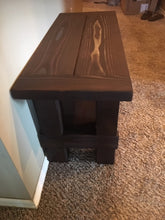 side view of entryway mud bench showing knot stain