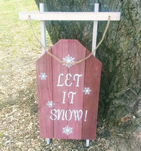 Let it snow pallet sign-tree-cropped