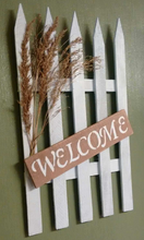 Welcome pallet sign right view