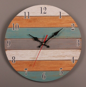 Crafted pallet clock