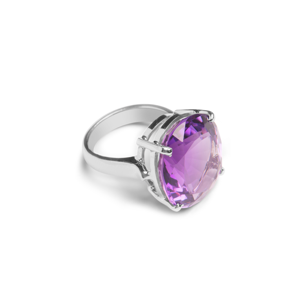 Ring With Purple Amethyst In Sterling Silver