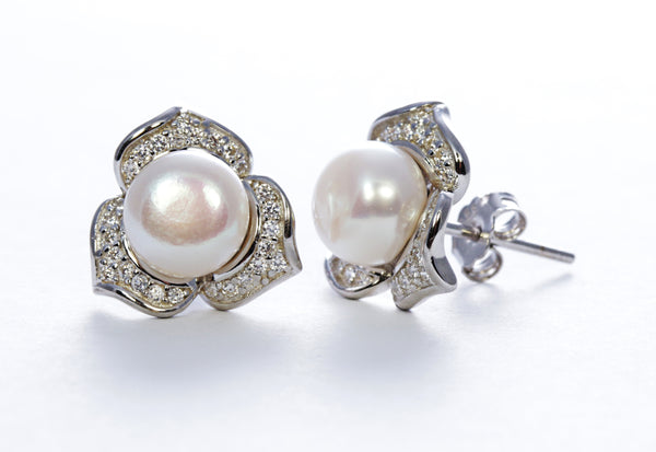Pearl Flower Earring in Sterling Silver