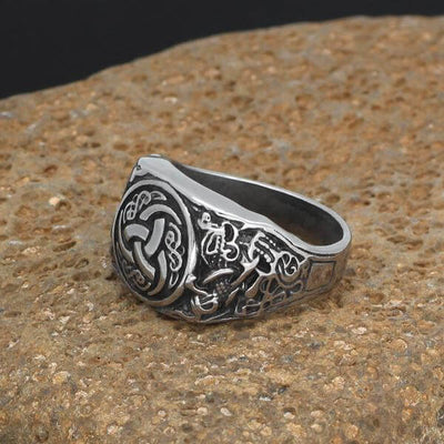 Horn Triskelion Viking Ring