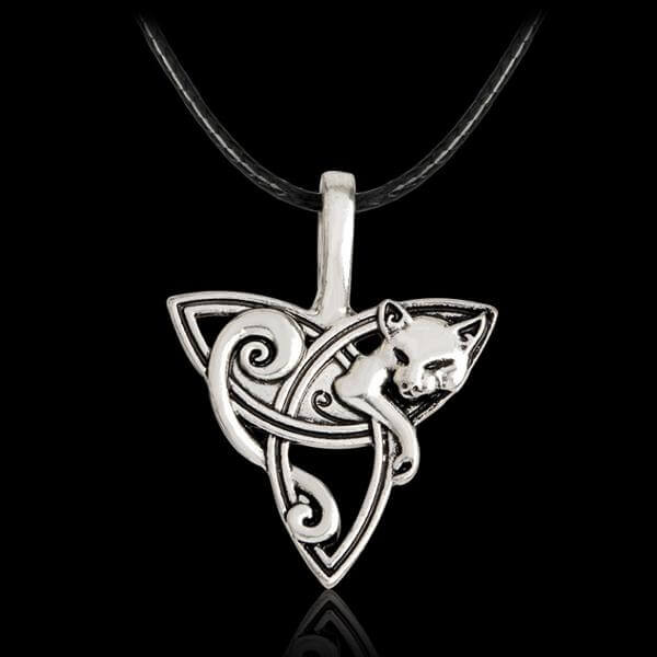 Celtics Knot wolf Amulet on black background