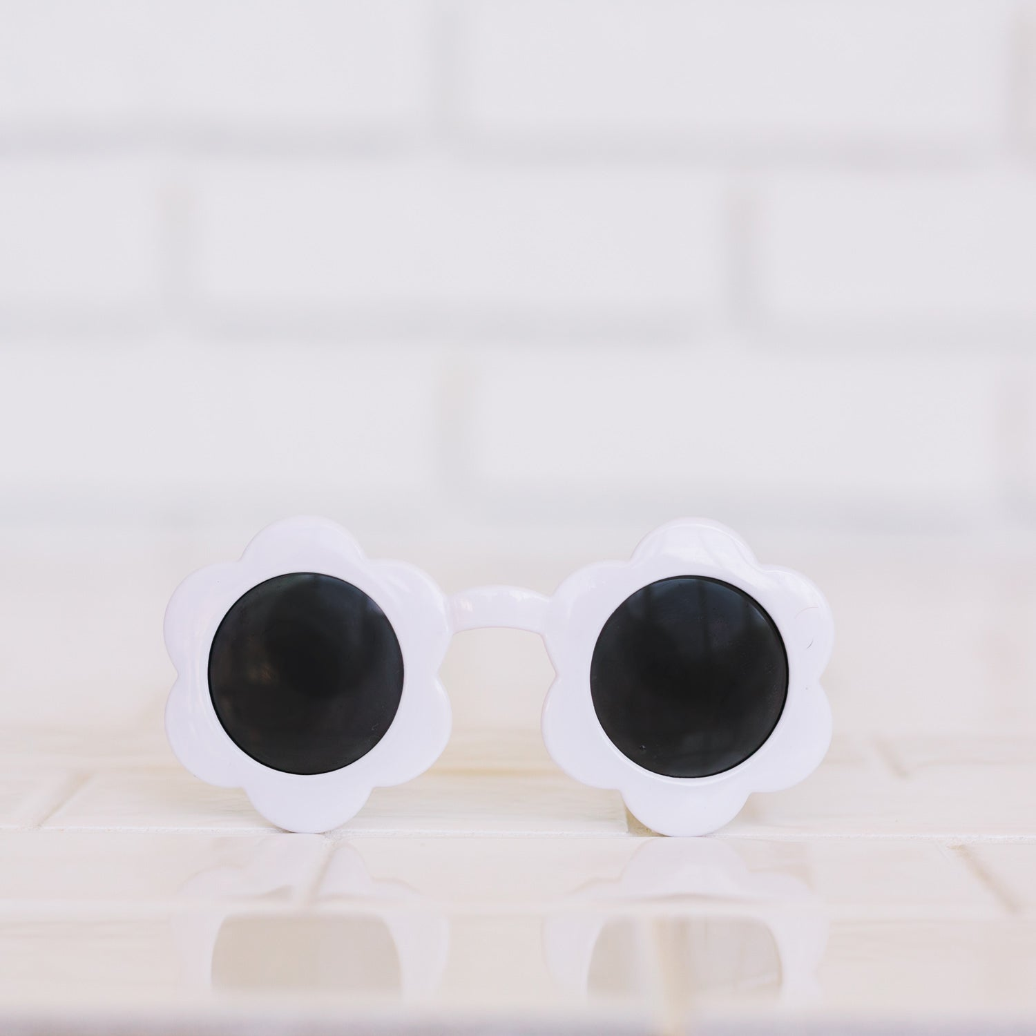 Toddler Daisy Sunnies - White Lightning