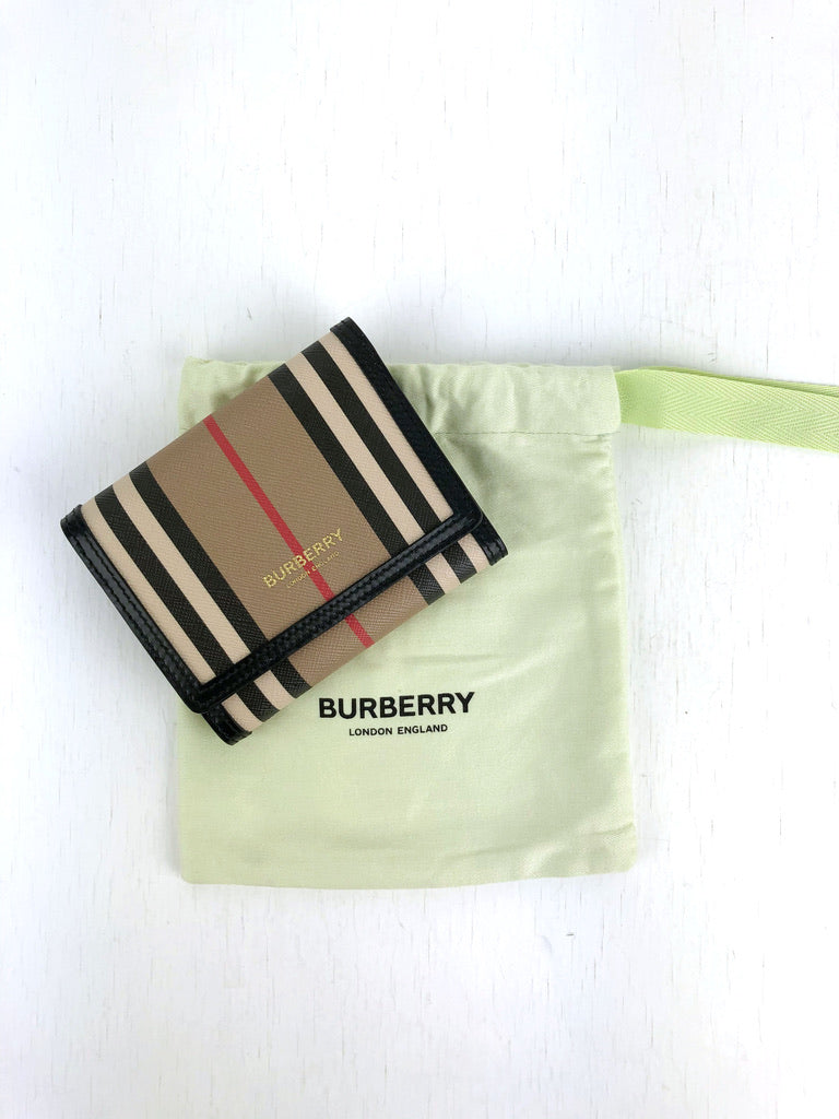 Burberry Pung