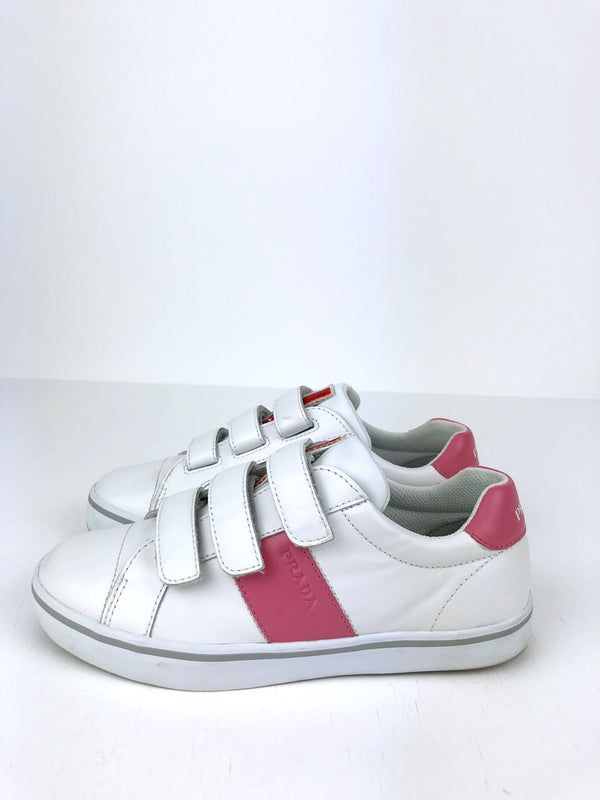 Prada - Sneakers - Str 35