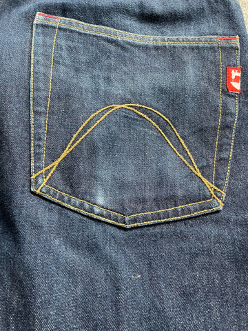 Denim Fabric Nepping which shows the broken and protruding thread