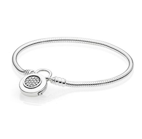 Moments Smooth Bracelet With Signature Padlock