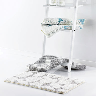 Shaggy Bath Mat in White/Grey