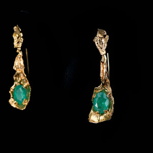 Yellow gold earrings fused with Emeralds