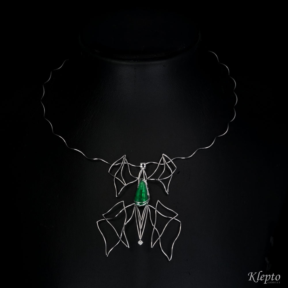 White gold necklace with Emerald and Diamond